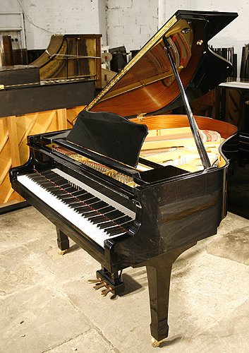 Yamaha g1 grand piano for sale with a black case for Yamaha g1 piano