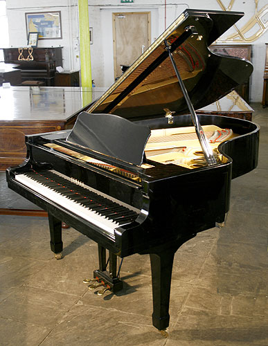 Yamaha g5 grand piano for sale with a black case and for Yamaha grand pianos for sale